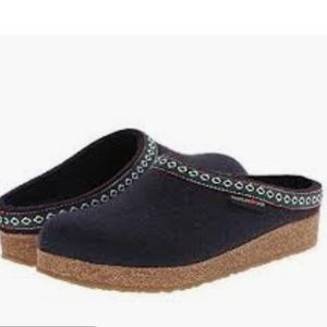 Haflinger classic Grizzly clogs in navy size 40 9